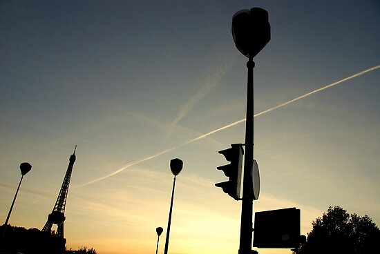 Paris - Silhouettes in the sky. by Jean-Luc Rollier
