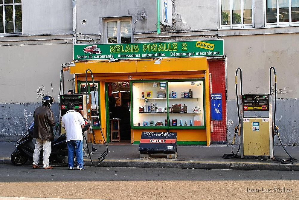 Paris - Relais Pigalle 2. by Jean-Luc Rollier
