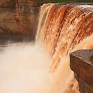 Falling river by zumi