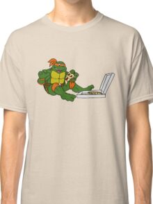 TMNT - Michelangelo with Pizza Classic T-Shirt