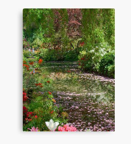 Lake in Butchart Gardens Canvas Print