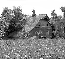 Black and white of old barn in Nebraska by Tony Weatherman