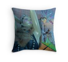 The beauty in me Throw Pillow