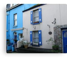 BLUE AND WHITE COTTAGE - PORT ISAAC Canvas Print
