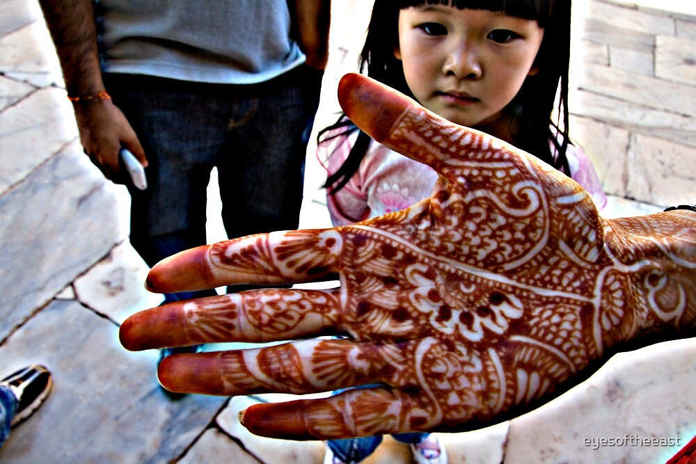 the Henna Hand by eyesoftheeast