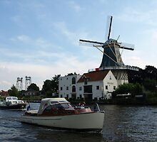 Windmill at daytime by Janone