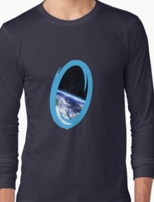Portal 2: view from the moon Long Sleeve T-Shirt