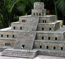 Pyramid of the Niches by Rosalie Scanlon