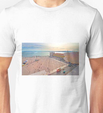 Praça do Comércio. vista do topo do Arco da Rua Augusta. Unisex T-Shirt
