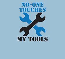 NO-ONE touches my tools funny mechanic spanner car design T-Shirt