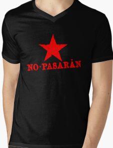 No Pasaran Red Star Slogan Mens V-Neck T-Shirt
