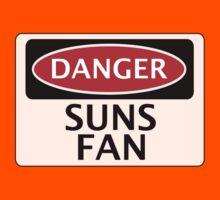 DANGER SUNS FAN FAKE FUNNY SAFETY SIGN SIGNAGE Kids Tee