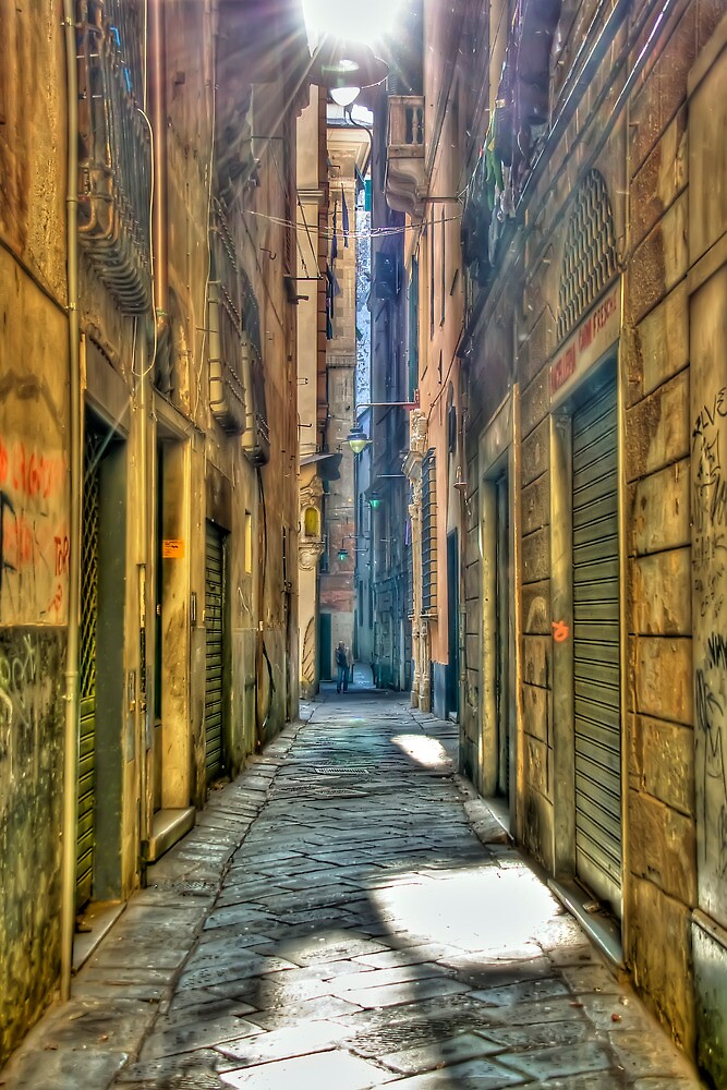 Alley of genoa by oreundici