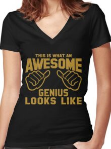 This is What an AWESOME GENIUS Looks Like Retro Women's Fitted V-Neck T-Shirt