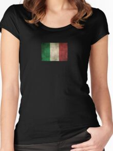 Old and Worn Distressed Vintage Flag of Italy Women's Fitted Scoop T-Shirt