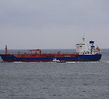Tanker by HALIFAXPHOTO