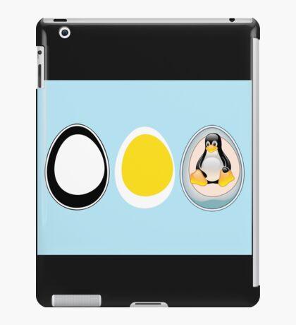 LINUX TUX  PENGUIN  3 EGGS iPad Case/Skin