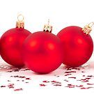 red christmas balls by peterwey