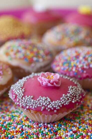 Colourful Cup Cakes by Anika Schmotter