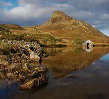 Cregennan boathouse by Rory Trappe