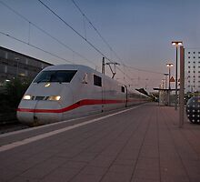 The railroad engine of the class 402 of German railways 2 by trainmaniac