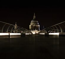 night views from Millenium bridge  by laura-moreno