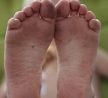 Dirty feet by portosabbia