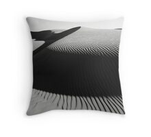 Oceano Dune Curves Throw Pillow