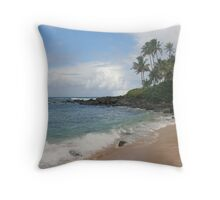 Gorgeous Beach On The North Shore Of Oahu, Hawaii Throw Pillow