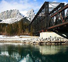 Bridge to the mountains by zumi