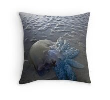 Blue Jelly Fish -Melbourne Foreshore Throw Pillow