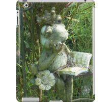 Lonely queen frog iPad Case/Skin