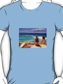 Surfing at Byron t-shirt T-Shirt
