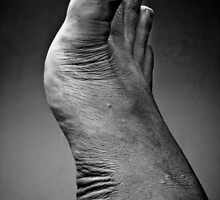 Foot Portraiture - A Study on Form and Texture by irenaeus herwindo