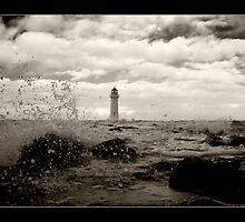 Perch Rock Lighthouse by Dave Hepworth