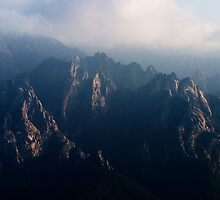 Rugged Range - Seoraksan National Park, South Korea by Alex Zuccarelli