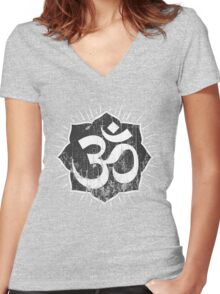 Vintage Om Symbol T-Shirt Women's Fitted V-Neck T-Shirt