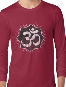 Vintage Om Symbol T-Shirt Long Sleeve T-Shirt