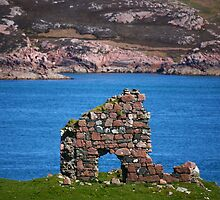 Iona Ruin by Erland Howden