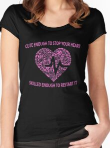 CUTE ENOUGH TO TAKE YOUR BREATH AWAY AND SKILLED ENOUGH TO BRING IT BACK (PINK) Women's Fitted Scoop T-Shirt