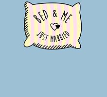 Bed & Me, Just Married T-Shirt