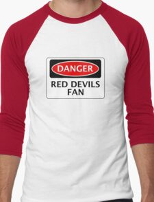 DANGER MANCHESTER UNITED, RED DEVILS FAN, FOOTBALL FUNNY FAKE SAFETY SIGN Men's Baseball ¾ T-Shirt