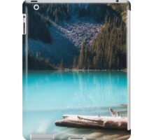 Middle Joffre Lake - Joffre Lakes Provincial Park -  British Columbia iPad Case/Skin