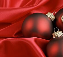Red Christmas Background by caqphotography