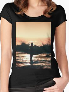 The Surfer Women's Fitted Scoop T-Shirt