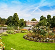 The Flower Borders: Kew Gardens London UK by DonDavisUK