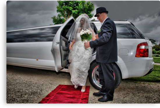 Arrival of the Bride by KeepsakesPhotography Michael Rowley