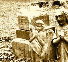 Praying Gravestone Angels by beresfordphotos