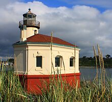 Coquille River Lighthouse by Leah77
