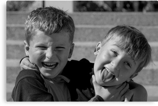 Ahhhhhhhhhh.....Brotherly Love................ by deahna